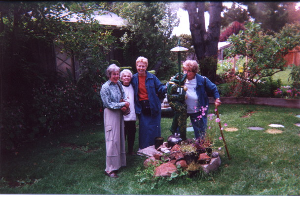 Marilyn, Hazel, Meredith,  & Marilyn Sackariason at the Elk Garden.