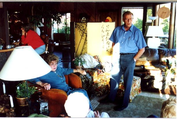 Marilyn & Bob Sackariason NRR living room
